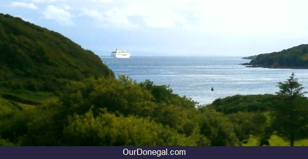 P And O Cruises Departing Killybegs Donegal Ireland On An Atlantic Voyage