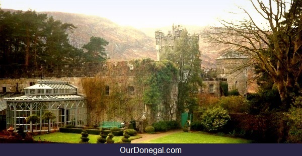 Glenveagh Castle, Derryveagh Mountains In Glenveagh National Park, Donegal