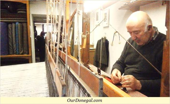 Eddie Doherty Handweaving Donegal Tweed In His Shop Near Nesbitt Arms Hotel